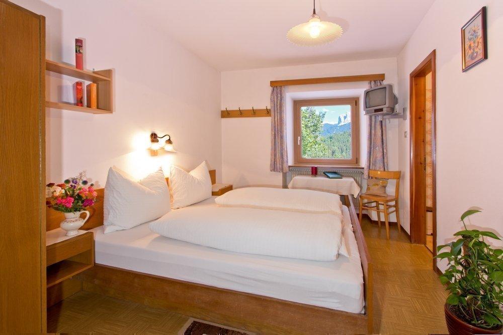 Gästezimmer und Ferienwohnung – gemütliche Unterkunft im Villnösstal